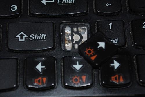 Lenovo G570. Отломанная клавиша.
